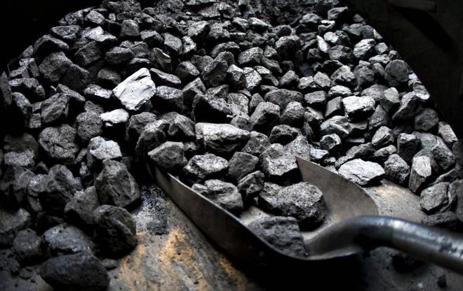 Tại nhiệt độ phòng, các nhà khoa học RMIT biến CO2 thành than, chôn lại xuống đất - Ảnh 1.