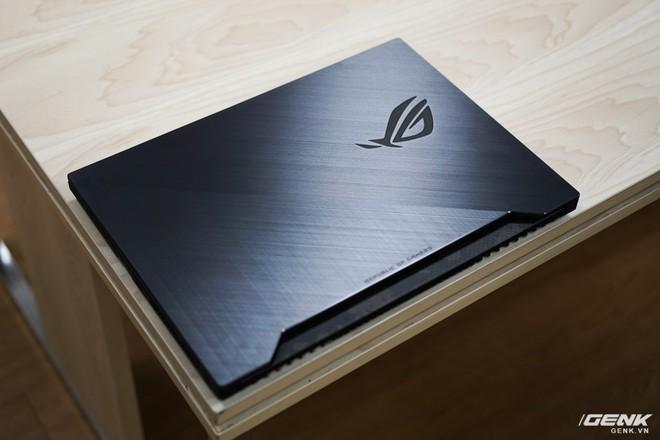 Cận cảnh laptop Asus ROG Strix SCAR II GL504: giá 48 triệu cho Core i7, RTX 2060 - Ảnh 4.