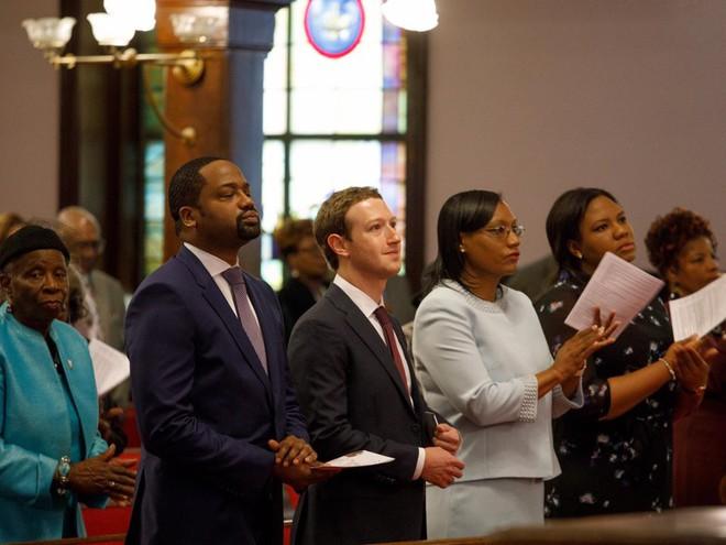 Facebook tròn 15 tuổi vào hôm nay, hãy cùng nhìn lại hành trình từ phòng ký túc xá Harvard cho đến rắc rối hiện tại của mạng xã hội này - Ảnh 15.