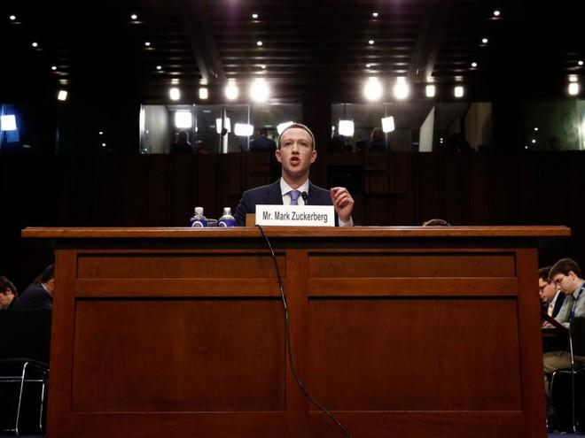 Facebook tròn 15 tuổi vào hôm nay, hãy cùng nhìn lại hành trình từ phòng ký túc xá Harvard cho đến rắc rối hiện tại của mạng xã hội này - Ảnh 18.