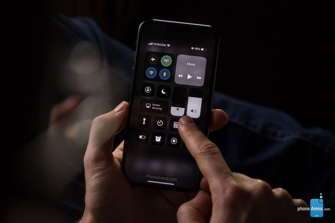 Cùng chiêm ngưỡng concept iPhone 11 chạy iOS 13 với giao diện Dark Mode - Ảnh 3.