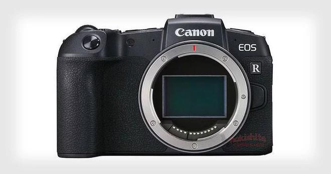 Lộ ảnh thiết kế và cấu hình máy ảnh tầm trung Canon EOS RP: 6D Mark II dạng không gương lật? - Ảnh 1.