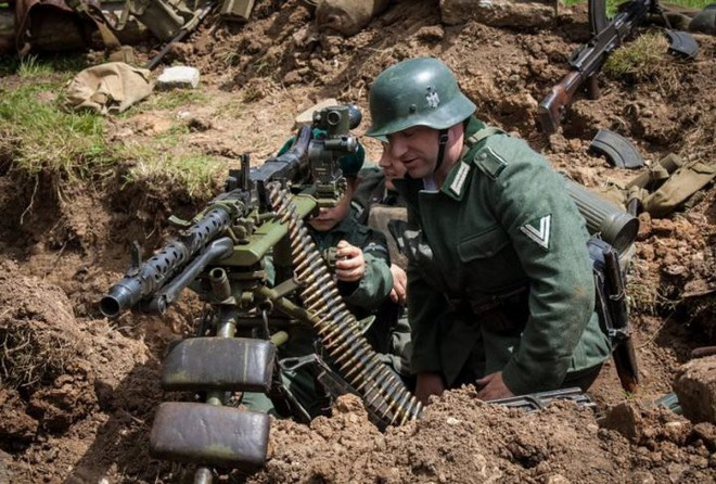 Mũ bảo hiểm của người lính xuyên suốt hai cuộc chiến tranh thế giới khác nhau như thế nào? - Ảnh 1.