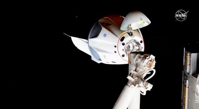 Chuyên gia Vũ trụ Nga trầm trồ trước tàu Crew Dragon của Elon Musk: Roscosmos trông như một cơ quan vũ trụ yếu đuối - Ảnh 1.