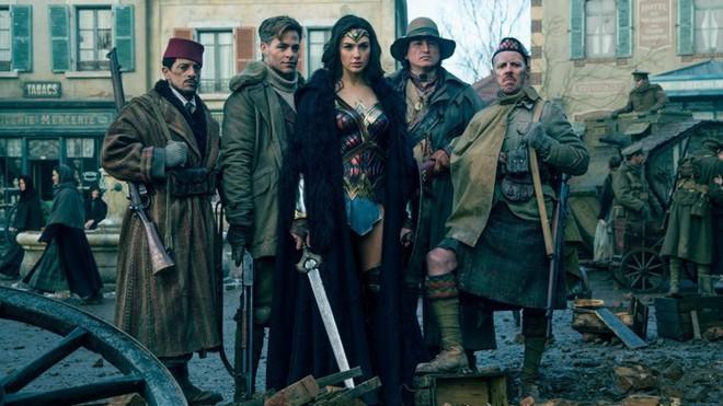 Câu trả lời cho dân ngoại đạo: Captain Marvel hay Wonder Woman thú vị hơn? - Ảnh 11.