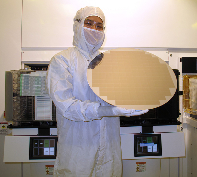 Nếu không có công ty Nhật bé nhỏ này thì Apple đã không thể tạo ra con chip A12 mạnh mẽ như vậy - Ảnh 2.