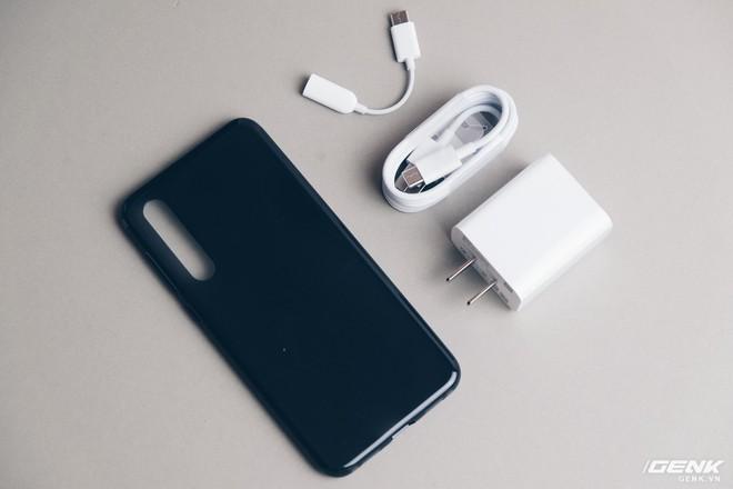 Trên tay Xiaomi Mi 9 SE: 8 triệu có Snapdragon 712, 3 camera, cảm biến vân tay dưới màn hình - Ảnh 2.