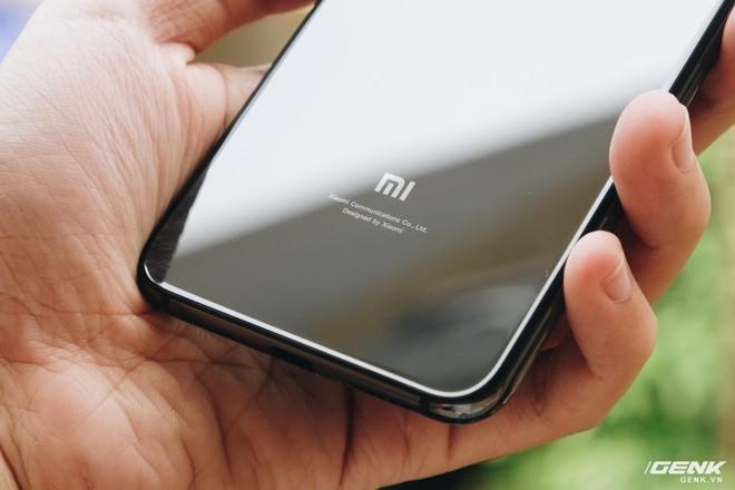 Trên tay Xiaomi Mi 9 SE: 8 triệu có Snapdragon 712, 3 camera, cảm biến vân tay dưới màn hình - Ảnh 8.