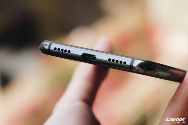 Trên tay Xiaomi Mi 9 SE: 8 triệu có Snapdragon 712, 3 camera, cảm biến vân tay dưới màn hình - Ảnh 10.