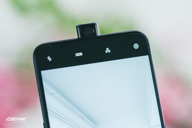 Đập hộp OPPO F11 Pro - Camera trước dạng trượt, camera sau độ phân giải 48MP, phối màu vỏ lạ mắt - Ảnh 10.