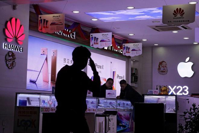 """Giới phân tích: Doanh số iPhone tại thị trường Trung Quốc sẽ tiếp tục chuyển từ """"xấu sang rất xấu - Ảnh 3."""