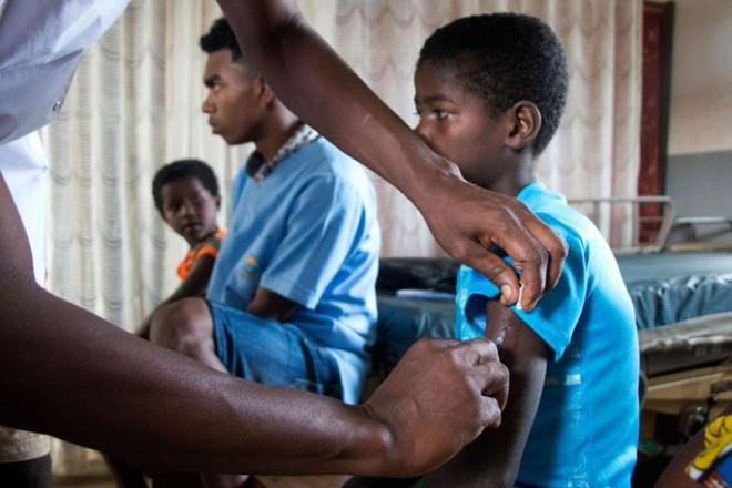 Gần 1.000 trẻ em ở Madagascar chết vì bệnh sởi, người dân không có đủ vắc-xin để tiêm - Ảnh 3.