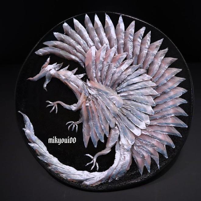 Chỉ xem Youtube, ông bố Nhật đã tạo ra những tác phẩm nghệ thuật đáng kinh ngạc từ cá sống - Ảnh 16.