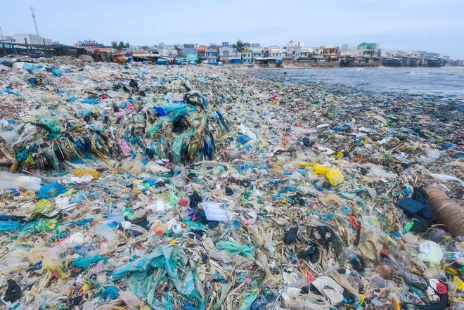 Cơn sốt thử thách dọn rác lan tỏa ở Việt Nam và tín hiệu đáng mừng về sự biến mất của những bãi rác lớn - Ảnh 1.