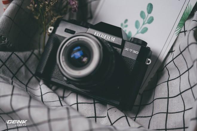 Đánh giá chi tiết máy ảnh không gương lật Fujifilm X-T30 - Đi tìm thứ ma thuật Fuji mà mọi người vẫn thường nói - Ảnh 1.