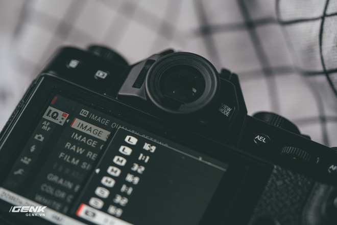 Đánh giá chi tiết máy ảnh không gương lật Fujifilm X-T30 - Đi tìm thứ ma thuật Fuji mà mọi người vẫn thường nói - Ảnh 16.