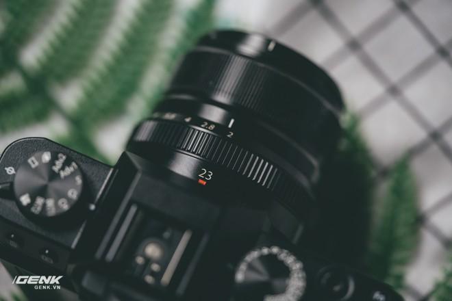 Đánh giá chi tiết máy ảnh không gương lật Fujifilm X-T30 - Đi tìm thứ ma thuật Fuji mà mọi người vẫn thường nói - Ảnh 24.