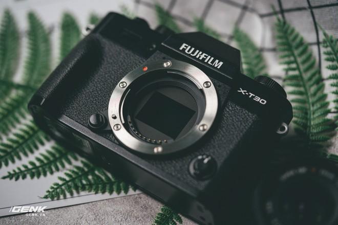 Đánh giá chi tiết máy ảnh không gương lật Fujifilm X-T30 - Đi tìm thứ ma thuật Fuji mà mọi người vẫn thường nói - Ảnh 7.