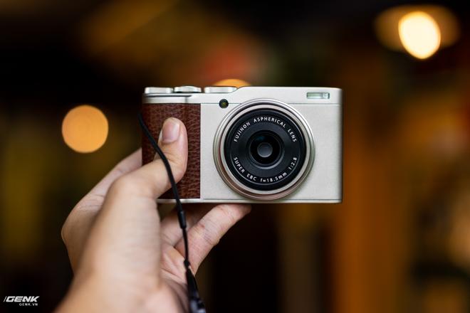 Đánh giá chi tiết máy ảnh không gương lật Fujifilm X-T30 - Đi tìm thứ ma thuật Fuji mà mọi người vẫn thường nói - Ảnh 4.