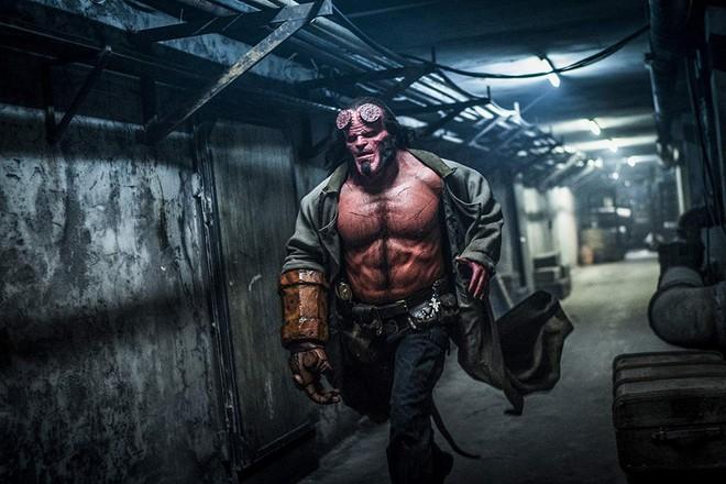 Mời bạn xem trailer đầy hứa hẹn của Hellboy, chàng quỷ đỏ khó tính nhưng dễ mến - Ảnh 3.
