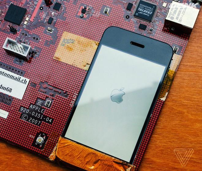 Đây chính là mẫu bản mạch cực hiếm của iPhone đời đầu: vẫn khởi động được dù đã hơn 10 năm tuổi - Ảnh 10.