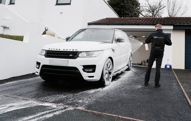Chủ công ty tân trang xế hộp trẻ nhất thế giới: Buôn headphone Trung Quốc, rửa xe kiếm tiền từ năm 8 tuổi - Ảnh 4.
