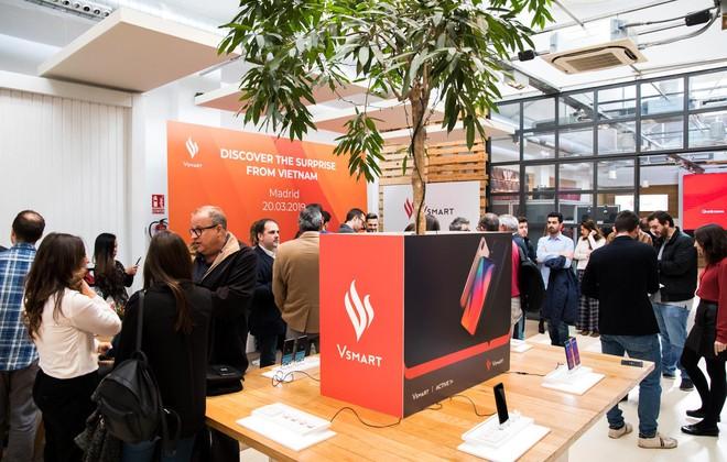 Smartphone Việt Vsmart chính thức có mặt tại Tây Ban Nha - Ảnh 1.
