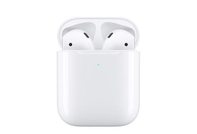 CEO Apple quá cáo già khi bán lẻ sạc không dây cho AirPods mới với giá 79 USD - Ảnh 1.