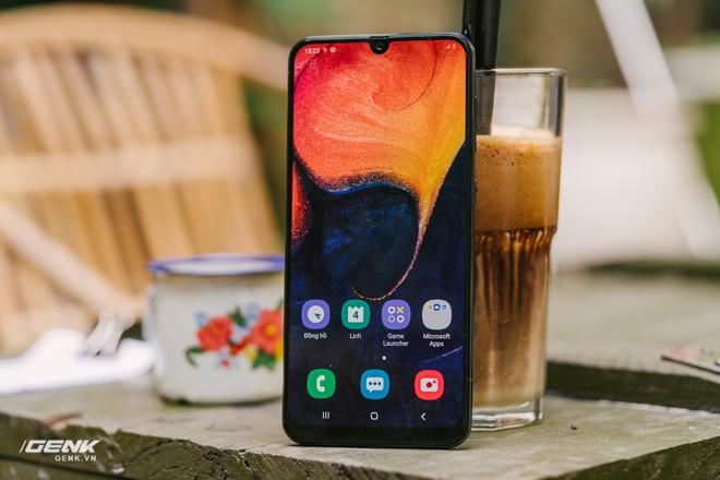 Đánh giá chi tiết Samsung Galaxy A50 - Mới mẻ từ trong ra ngoài, nhưng vẫn có vị Samsung - Ảnh 1.