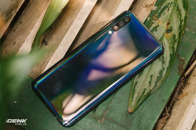 Đánh giá chi tiết Samsung Galaxy A50 - Mới mẻ từ trong ra ngoài, nhưng vẫn có vị Samsung - Ảnh 33.