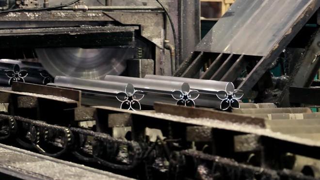 Ngọn đuốc Olympic Tokyo 2020 lấy cảm hứng từ hoa anh đào, sử dụng công nghệ sản xuất vỏ tàu siêu tốc - Ảnh 5.