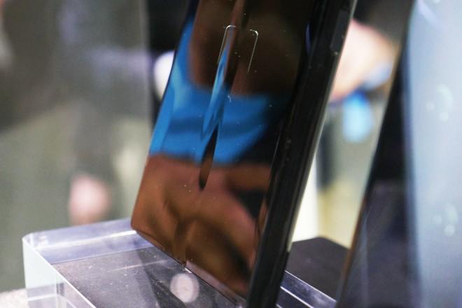Có tiền cũng chưa chắc mua được Samsung Galaxy Fold hay Huawei Mate X vào ngày mở bán - Ảnh 4.