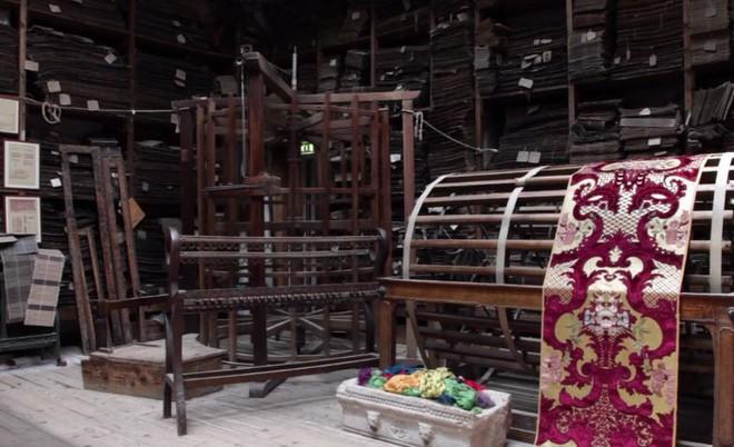 Nhung thành Venice: Sự tàn lụi của loại vải cao cấp vang bóng một thời vì đắt và khó khủng khiếp - Ảnh 14.