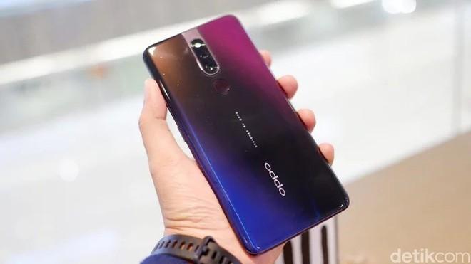 OPPO F11 Pro lộ ảnh trên tay rõ nét với camera selfie thò thụt, màn hình tràn cạnh chiếm 90.9% diện tích mặt trước - Ảnh 3.