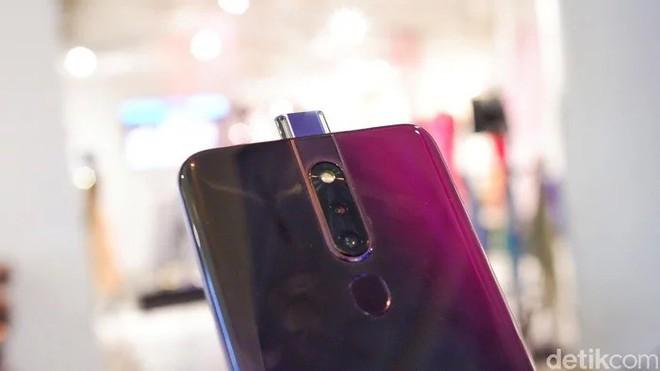 OPPO F11 Pro lộ ảnh trên tay rõ nét với camera selfie thò thụt, màn hình tràn cạnh chiếm 90.9% diện tích mặt trước - Ảnh 11.