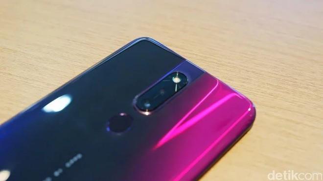 OPPO F11 Pro lộ ảnh trên tay rõ nét với camera selfie thò thụt, màn hình tràn cạnh chiếm 90.9% diện tích mặt trước - Ảnh 8.