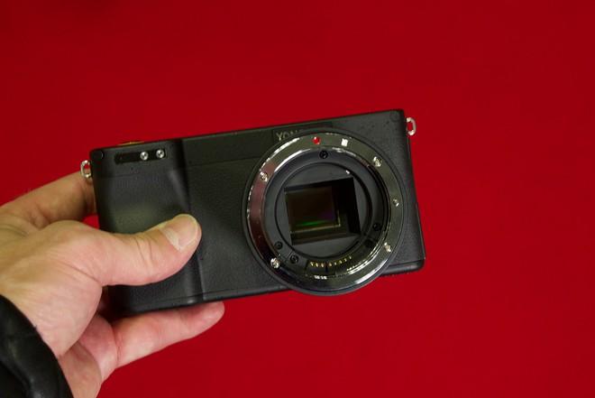 Yongnuo YN450 - máy ảnh không gương lật, sử dụng ống kính Canon, chạy Android - Ảnh 2.