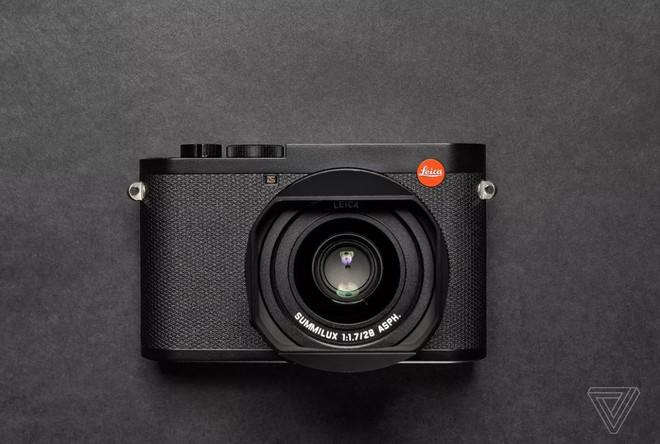 Leica ra mắt máy ảnh cao cấp Q2: cảm biến 47MP, ống kính 28mm f/1.7, quay phim 4K - Ảnh 1.