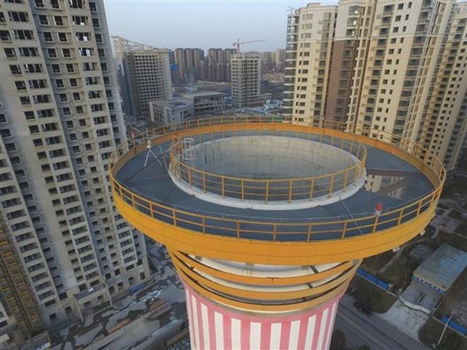 Tháp cao 100 mét này là cách Trung Quốc giải quyết được ô nhiễm không khí: giá 2 triệu đô/cái, tạo 10 triệu mét khối không khí sạch mỗi ngày - Ảnh 3.