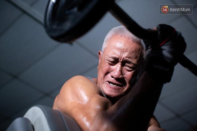 Chú thợ hồ 62 tuổi có thân hình lực sĩ ở Sài Gòn: Đi coi phim Mỹ thấy diễn viên sao đẹp quá, to con quá, chú mê! - Ảnh 3.