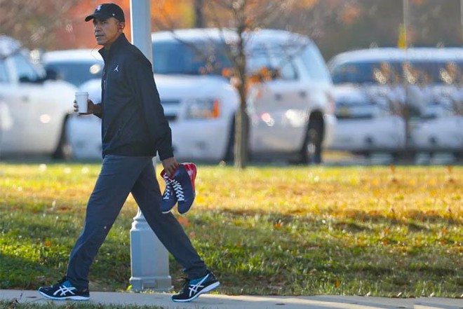 Nổi tiếng yêu thể thao, các đời Tổng thống Mỹ thích đeo sneakers gì khi đi chạy? - Ảnh 16.
