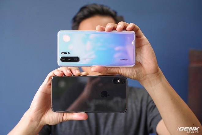 Đọ ảnh chụp thiếu sáng giữa P30 Pro và iPhone XS Max: đã đến lúc Apple cần đầu tư nghiêm túc để quay lại cuộc chơi camera - Ảnh 1.