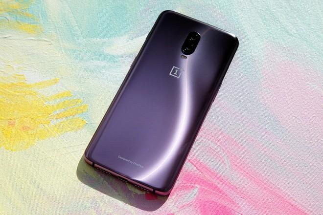 CEO OnePlus: Smartphone màu sắc lòe loẹt khó bán - Ảnh 1.