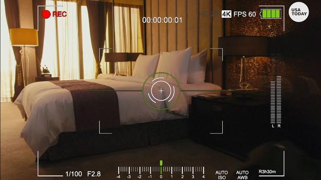 Tìm mạng Wi-Fi, khách Airbnb phát hiện camera quay lén giấu trong thiết bị báo khói - Ảnh 2.