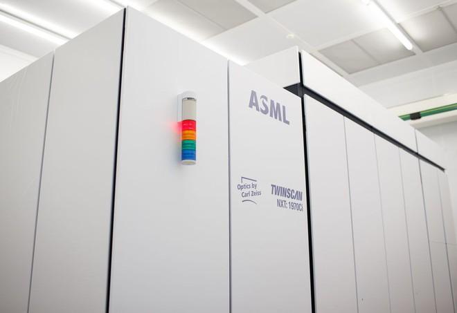 ASML có công nghệ gì đặc biệt khiến công ty Trung Quốc phải tìm cách ăn trộm? - Ảnh 1.