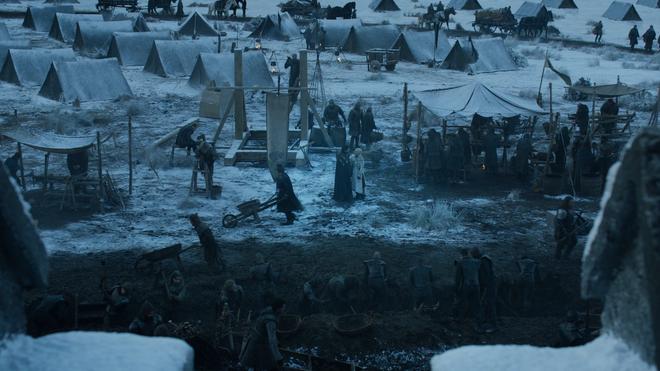 Bạn đã bỏ qua những điểm giống nhau đến kỳ lạ này giữa tập 1 mùa 8 Game of Thrones với những tập phim trước - Ảnh 25.