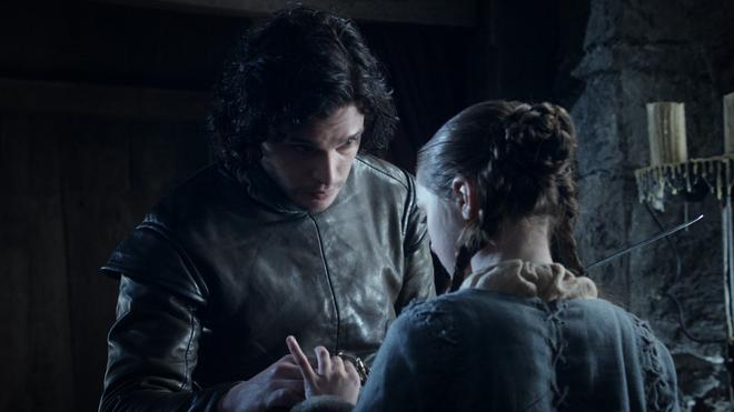 Bạn đã bỏ qua những điểm giống nhau đến kỳ lạ này giữa tập 1 mùa 8 Game of Thrones với những tập phim trước - Ảnh 30.