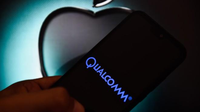 Apple và Qualcomm bất ngờ đình chiến, chấm dứt kiện tụng trên toàn cầu - Ảnh 1.