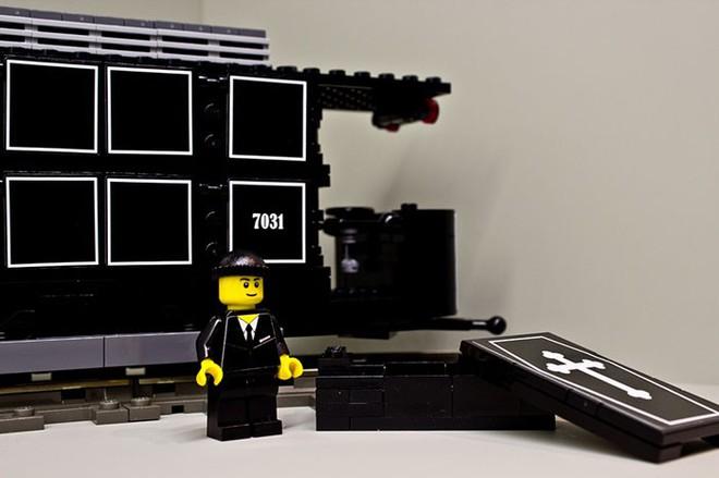 Một nghĩa trang ở Áo tung ra bộ xếp hình LEGO chủ đề... đám tang, bạn có dám mua cho con mình chơi? - Ảnh 4.