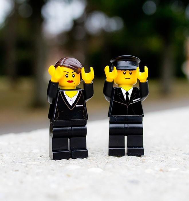 Một nghĩa trang ở Áo tung ra bộ xếp hình LEGO chủ đề... đám tang, bạn có dám mua cho con mình chơi? - Ảnh 5.